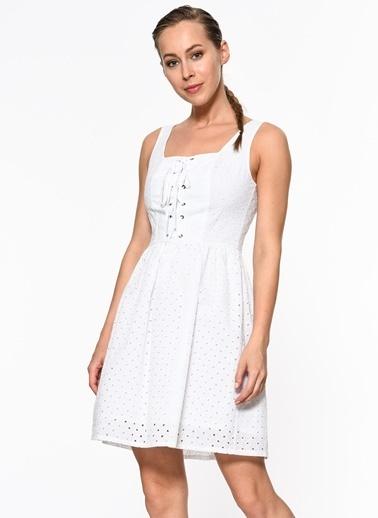 Setre Ön Bağcık Detaylı Askılı Elbise Beyaz